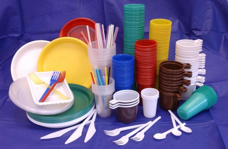 Посуда из пластика виды